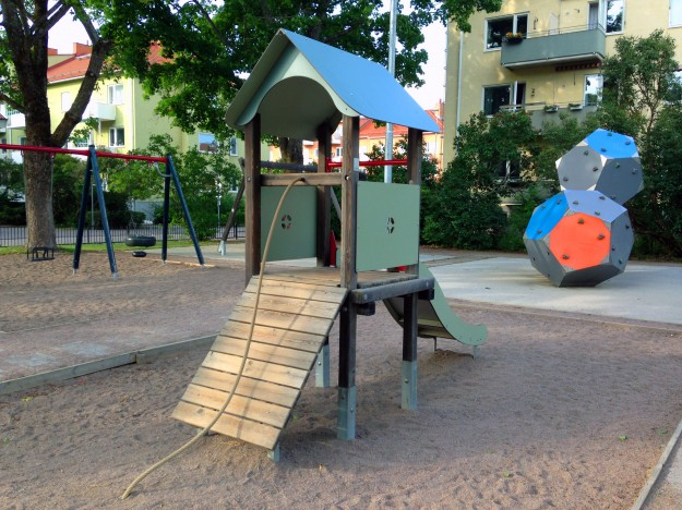 Rutschkana och klätterredskap i S:t Göransparken (Tripolisparken), Uppsala